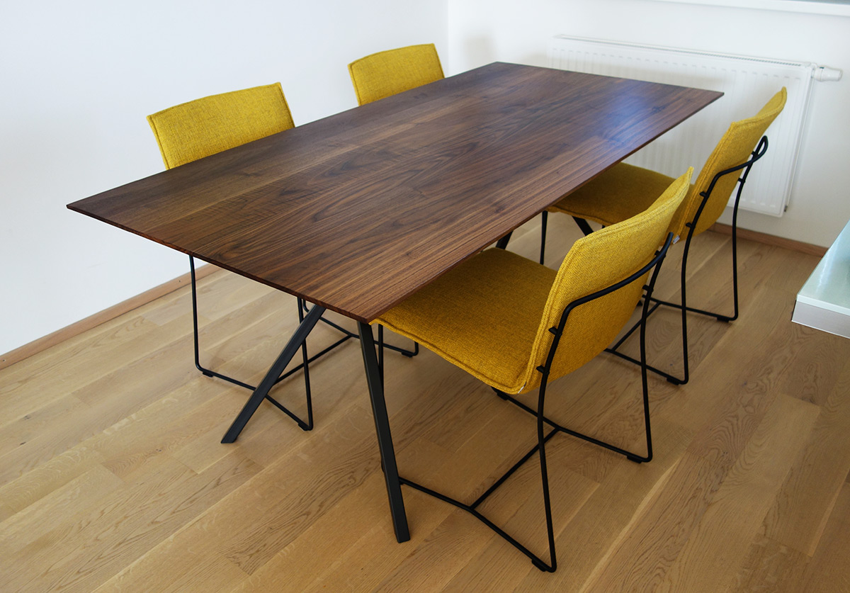 Hervorragend Tisch KT11, Massivholz, Amerik.Nussbaum, Kante: Scalpel